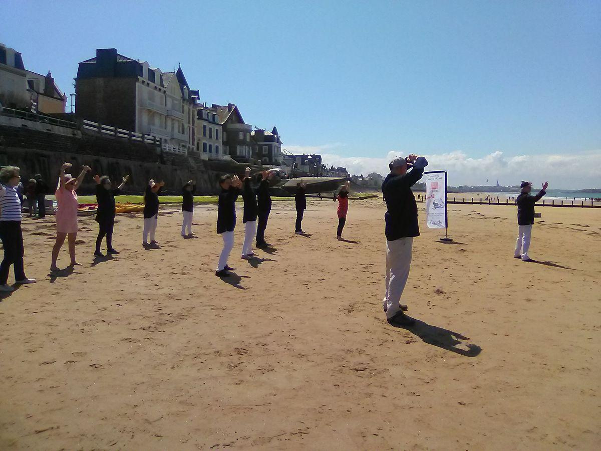 Association Bretonne Tai Chi Chuan Saint-Malo cours sur la plage