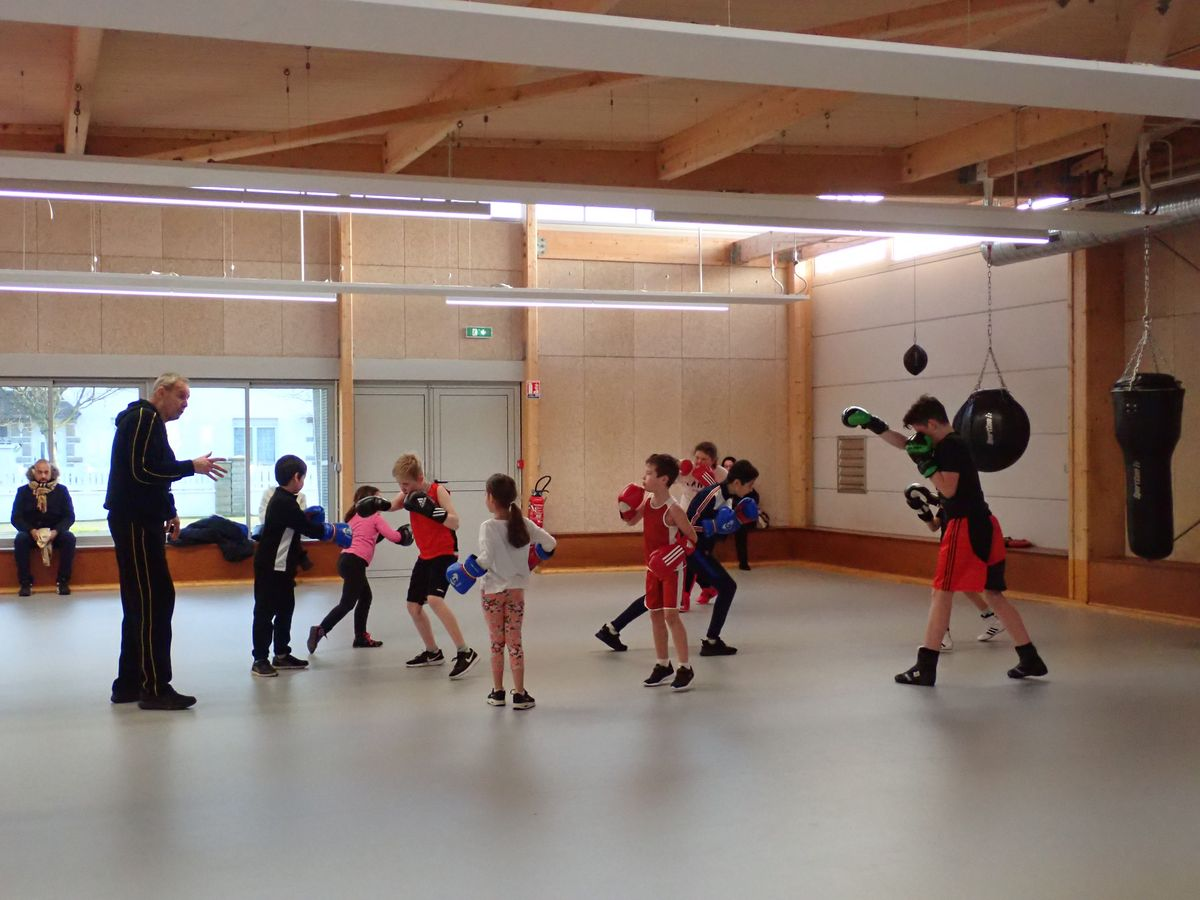 Central Ring Malouin - boxe pieds poings cours enfant